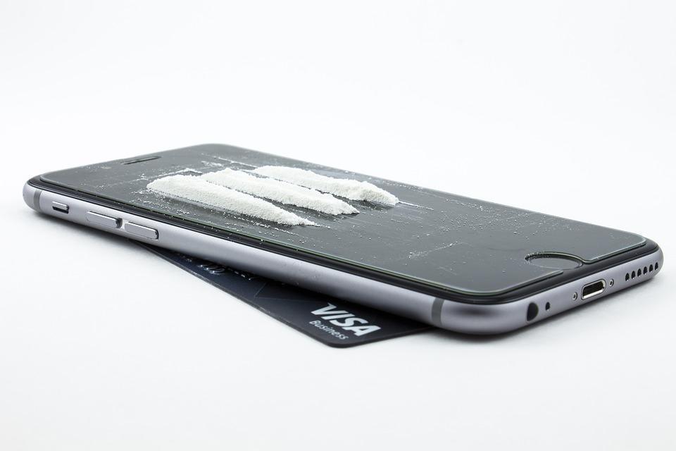 Cocaine Heroin on an iPhone