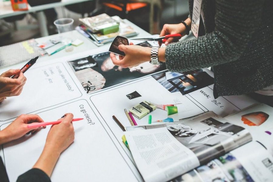 How Entrepreneurs Can Create Attractive, Informative Marketing Material